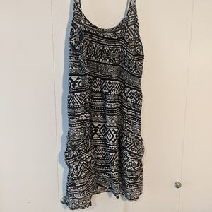 Patterned summer dress with pockets